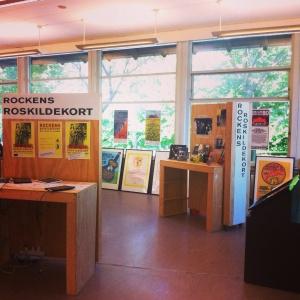 Udstillingen Rockens Roskildekort står på Roskilde Bibliotek hele juni måned.